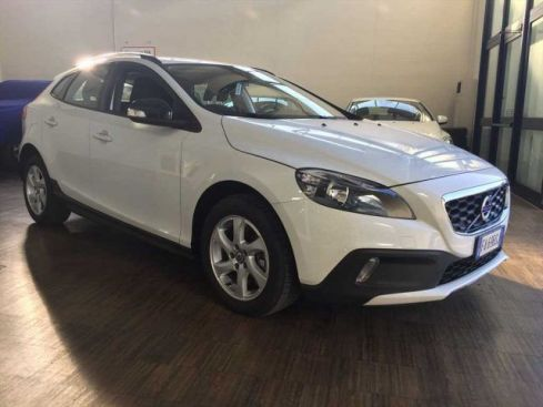 VOLVO V40 CC Cross Country D2 Volvo Ocean Race