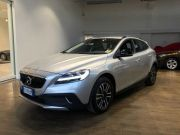 VOLVO V40 CROSS COUNTRY D3 MOMENTUM Second-hand 2017