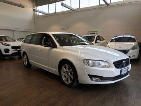 VOLVO V70 D4 Polar Plus Edition