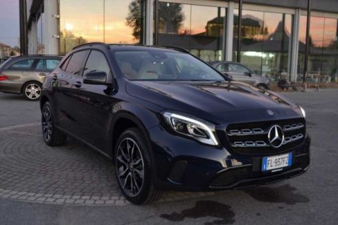 MERCEDES-BENZ GLA 200 d AUTOMATIC