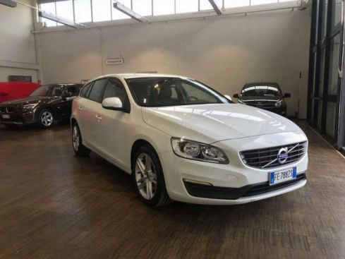 VOLVO V60 D2 Geartronic Kinetic