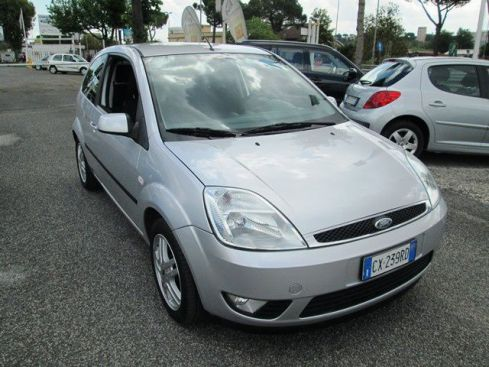 FORD Fiesta 1.2 16V 3p. Collection