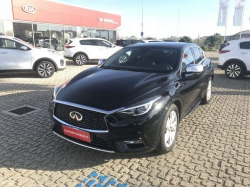 INFINITI Q30 1.5 diesel DCT Business NAVY TETTO