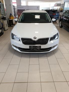 SKODA Superb 2.0 TDI 150 CV SCR DSG Wagon Executive