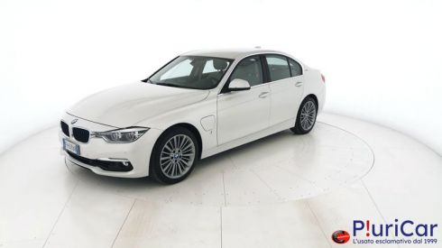 BMW 330  330e 184cv Luxury auto Navi Full...