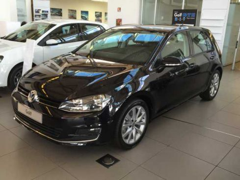VOLKSWAGEN Golf 1.6 TDI 110 CV DSG 5p. Highline BlueMoti