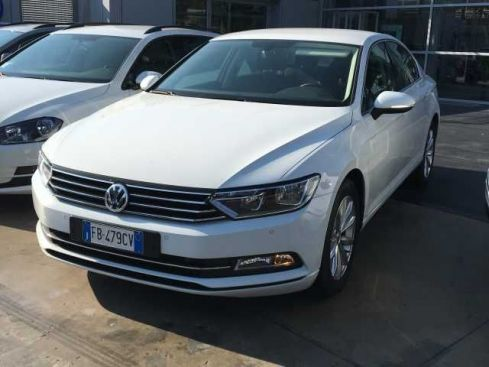 VOLKSWAGEN Passat Businessline 2.0 TDI DSG BlueMotion Tech