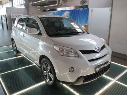 TOYOTA Urban Cruiser 1.4 D-4D AWD Luxury