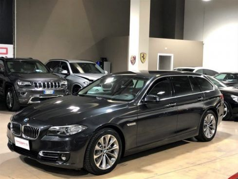 BMW 520 d Touring Luxury Automatica - 18""