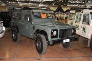 Land Rover 90 2.4 TD4