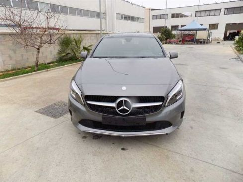 MERCEDES-BENZ A 180 d Automatic Sport