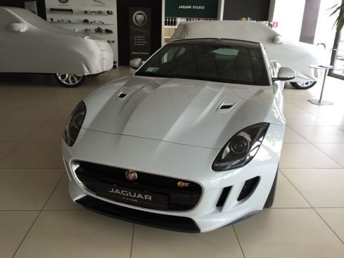 JAGUAR F-Type Coupè 3.0 V6  S  con Black Pack 380cv