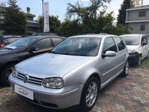 VOLKSWAGEN Golf 1.6 16V cat 3 porte Highline
