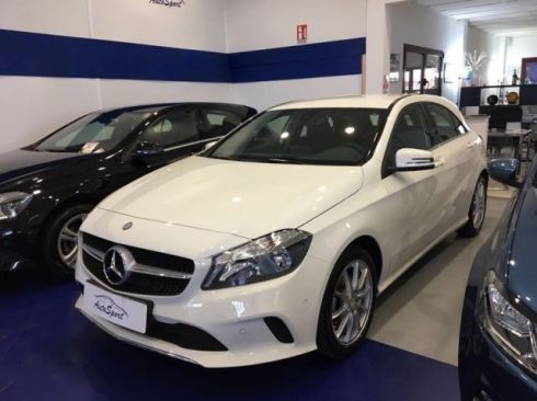 MERCEDES-BENZ A 180 d NEW MODEL AZIENDALE