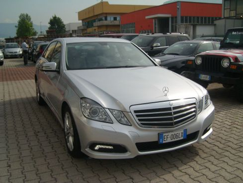 MERCEDES-BENZ E 220 BluEfficency