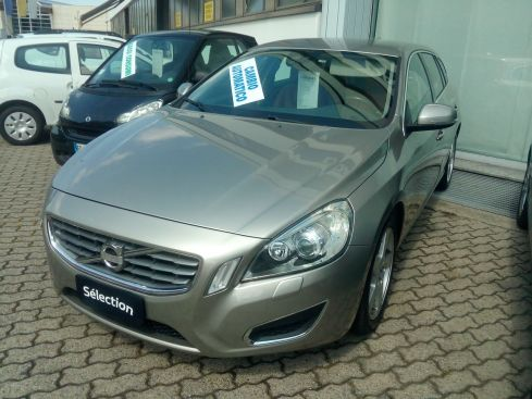 VOLVO V60 2.0 D3 Summum geartronic