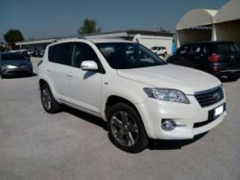 TOYOTA  RAV4 RAV4 Crossover 2.2 D-Cat A/T 150 CV Executive