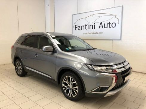 MITSUBISHI Outlander 2.2 DI-D 4WD 7P DIAMOND RADAR TETTO FULL