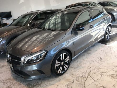 MERCEDES-BENZ A 180 d 109cv Sport + Night Pack 6m.