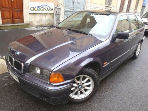 BMW 316 i Touring GPL  ** WhatsApp 3939578915 **
