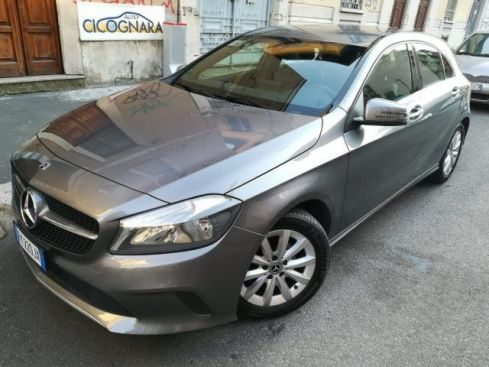 MERCEDES-BENZ A 180 d Automatic Business * SOLO 28.000 KM !!