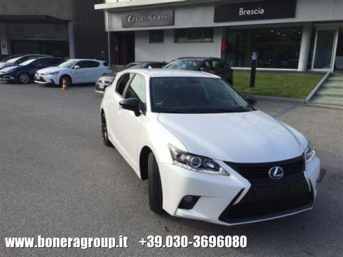 LEXUS CT 200h Limited Edition Black Style My 16
