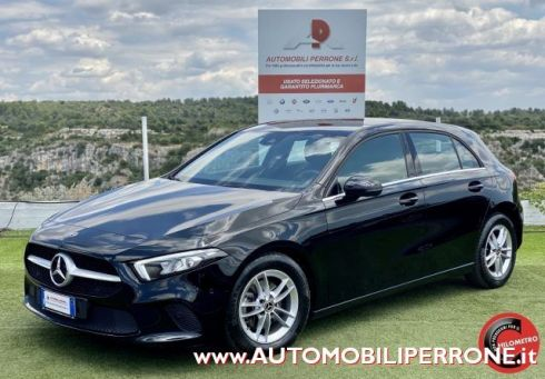 MERCEDES-BENZ A 180 d Automatic Business Extra (VitualCockpit/LED)