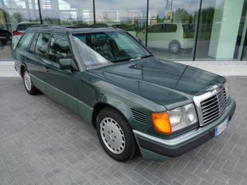 MERCEDES-BENZ E 300 TURBODIESEL
