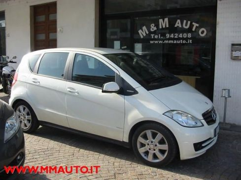 MERCEDES-BENZ A 160 CDI BlueEFFICIENCY Premium  !!!