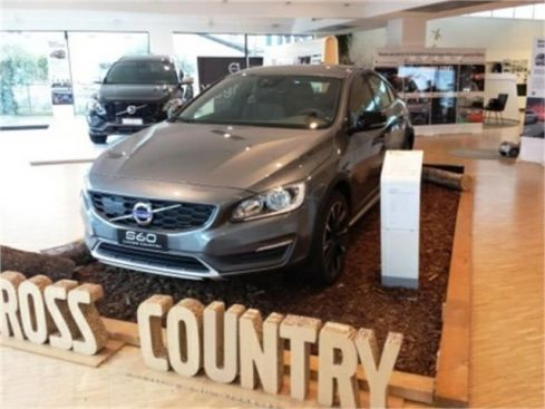 VOLVO S60 C. Country  Cross Country D4 AWD Geartr. Summum