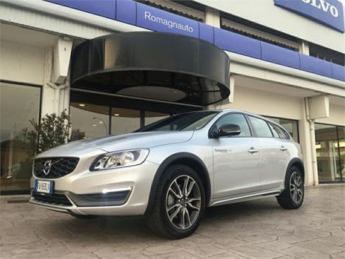 VOLVO V60 C. Country  Cross Country D4 AWD Geartr.Momentum