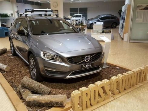 VOLVO V60 C. Country  Cross Country D3 Geartronic Momentum