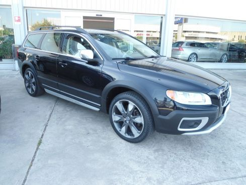 VOLVO XC70 D5 205CV AWD Geartronic Cross Country
