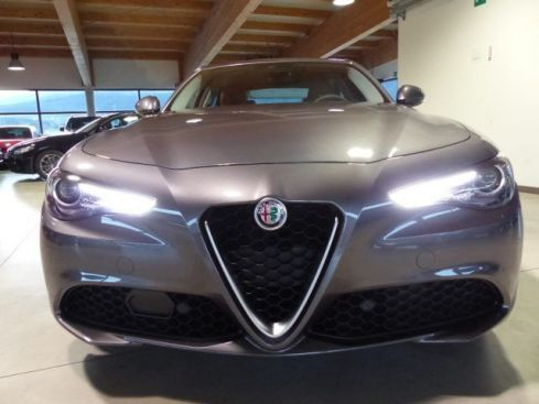 ALFA ROMEO Giulia 2.0 Turbo 200 CV AT8 Super