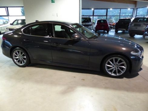 ALFA ROMEO Giulia 2.2 MJ EXECUTIVE AT8