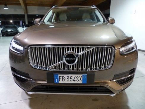 VOLVO XC90 D5 AWD Geartronic Momentum