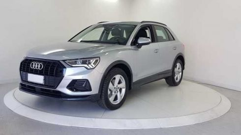 AUDI Q3 35 TDI S tronic Business Advanced