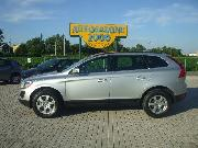 VOLVO XC60 D4 AWD GEARTRONIC MOMENTUM Usata 2013