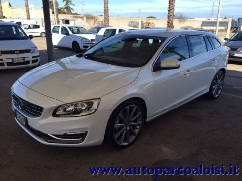 VOLVO V60 D4 Geartronic Summum