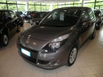 RENAULT GRAND SCÉNIC SCENIC XMOD 15 DCI ATTRACT CONF 110CV Usata 2010