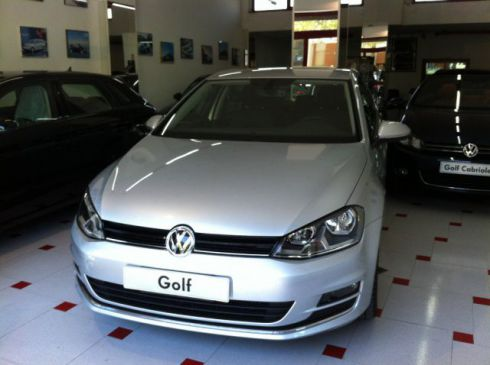 VOLKSWAGEN Golf 1.6 TDI DSG 5p. Highline BlueMotion *NUOVA*