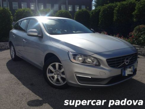 VOLVO V60 D2 1.6 Business MANUALE