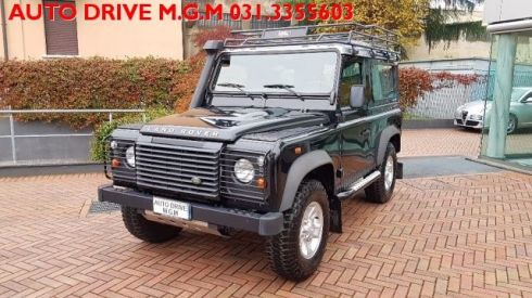 LAND ROVER Defender 90 2.4 TD4 Station Wagon S
