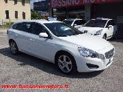 VOLVO V60 D3 GEARTRONIC MOMENTUM