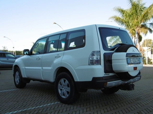 mitsubishi pajero 3 2 di d 16v 5p invite usata 2007 autosupermarket. Black Bedroom Furniture Sets. Home Design Ideas