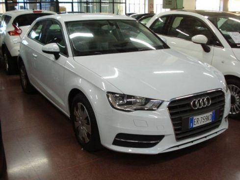 AUDI A3 Cabrio 1.6 TDI CR F.AP Young Edition