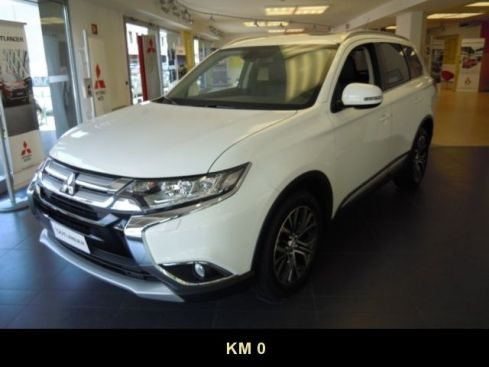 MITSUBISHI Outlander 2.2 DI-D 4WD Instyle Plus 7p. Diamond Pack
