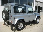 LAND ROVER DEFENDER 90 2.4 TD4 STATION WAGON SE Usata 2007