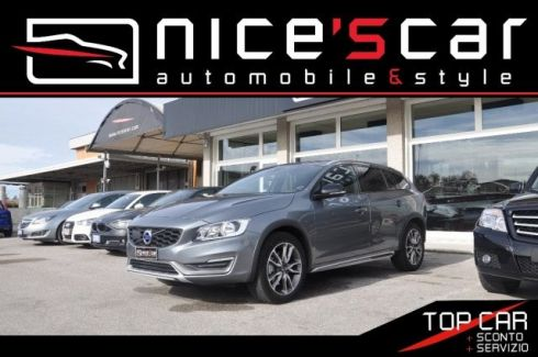 VOLVO V60 CC Cross Country D3 Geartronic Kinetic