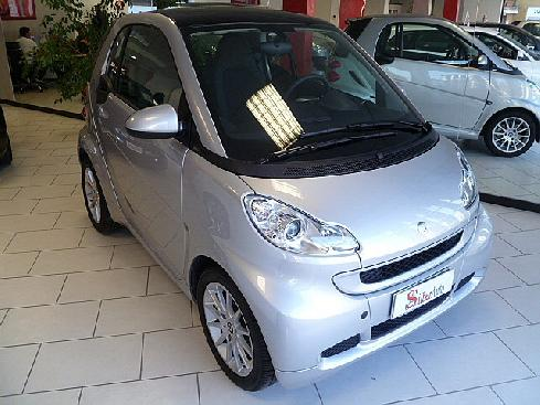 "SMART ForTwo 1000 52 kW MHD coupé passion""NAVIGATORE"